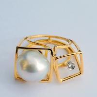 """""""struttura con perla  e brillante"""""""